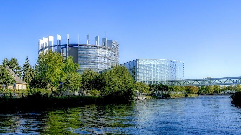Evropski parlament osudio eksploataciju rada pripravnika i praktikanata