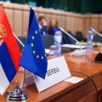 Non-pejper Evropske komisije: Kašnjenja u reformama, pritisak vlasti na pravosuđe