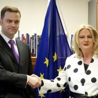 Deset godina dijaloga Beograda i Prištine: Da li je vreme da se proces završi?