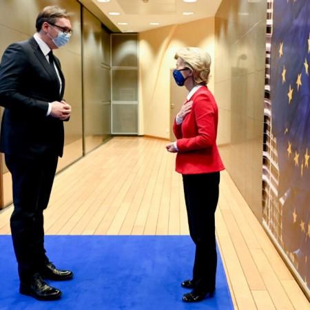 """Ko je """"kriv"""" za gubitak entuzijazma za evropske integracije u Srbiji?"""